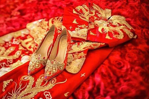 13082499_德力西家居电气_十月浪漫结婚季_迎接新婚祝福1